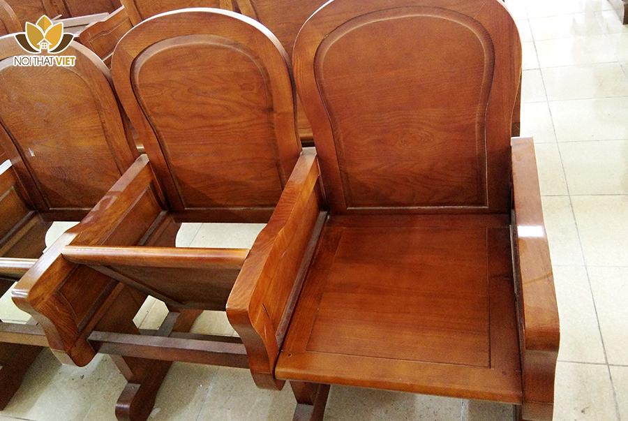 Ghế ngồi với mặt lật tiện dụng