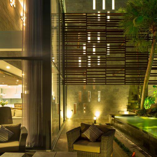 Sử dụng phong cách kiến trúc Châu Á nhiệt đới đương đại cho thiết kế biệt thự