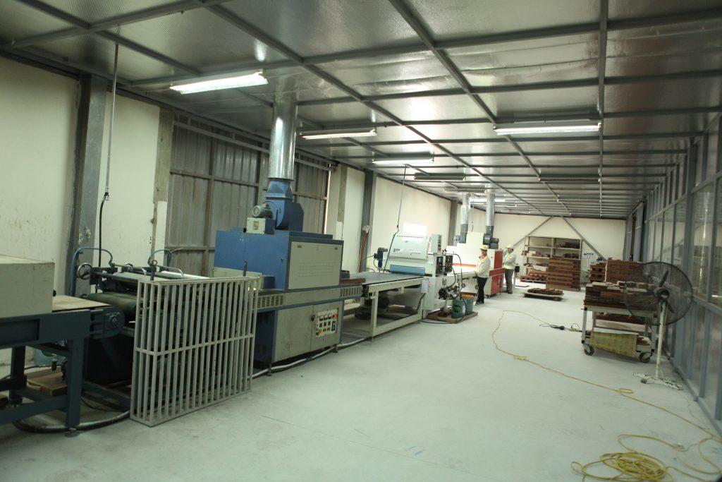 nhà máy sản xuất ván sàn